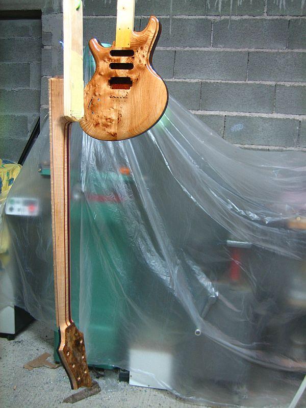 Fabrication d'une guitare Electrique : Terminée le 26/12/2014 - Page 3 197