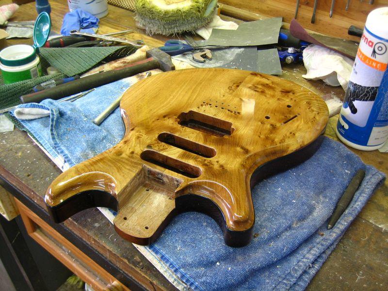 Fabrication d'une guitare Electrique : Terminée le 26/12/2014 - Page 4 206