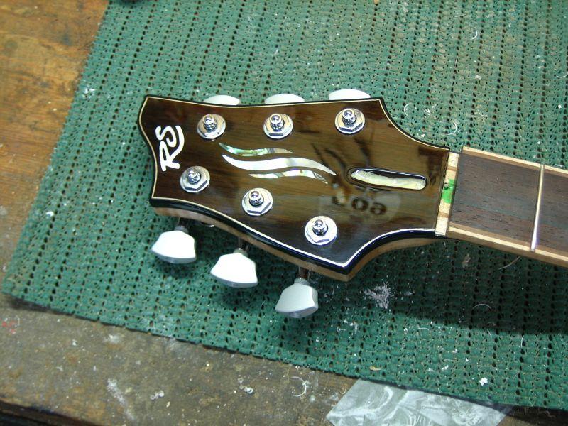 Fabrication d'une guitare Electrique : Terminée le 26/12/2014 - Page 4 208
