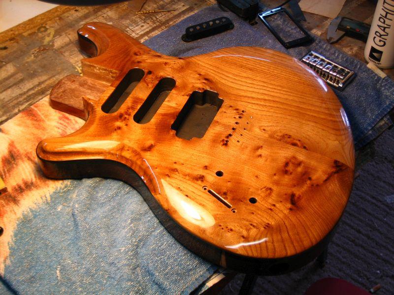 Fabrication d'une guitare Electrique : Terminée le 26/12/2014 - Page 4 211