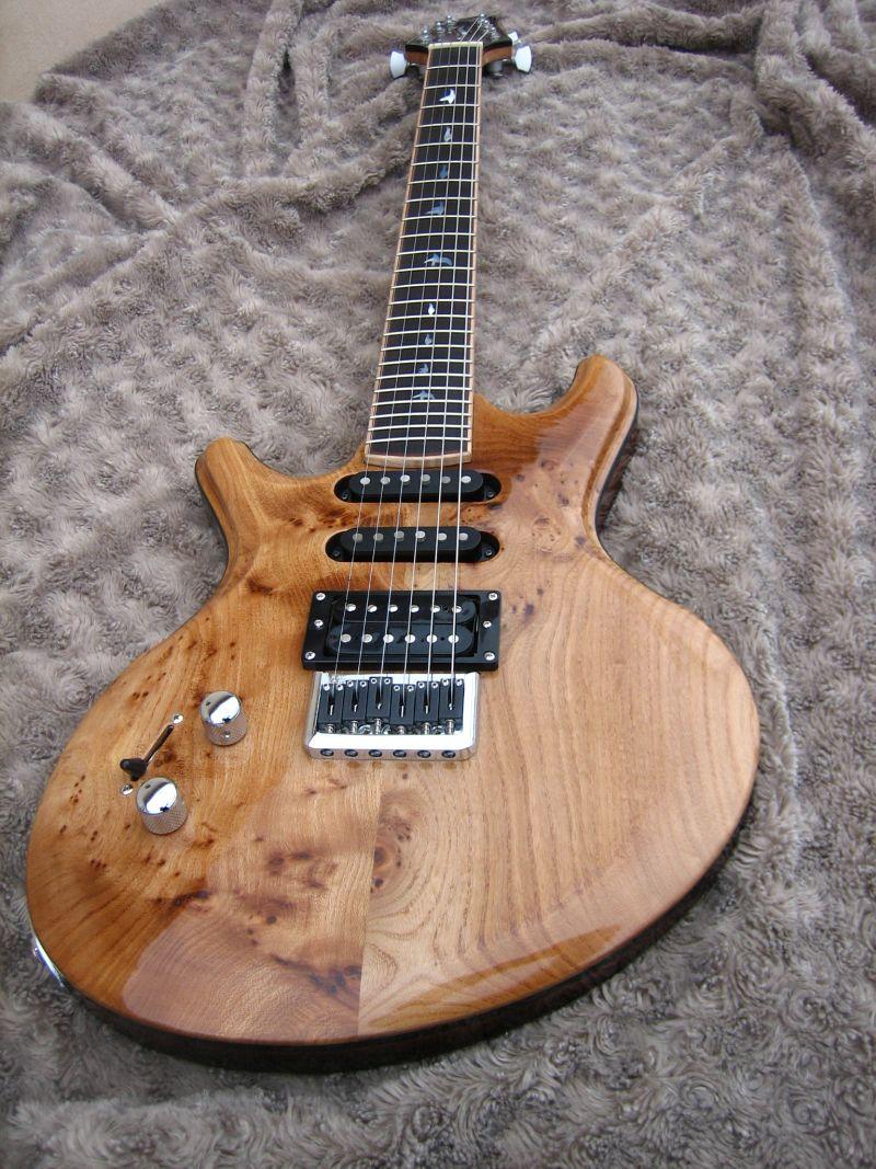 Fabrication d'une guitare Electrique : Terminée le 26/12/2014 - Page 4 215