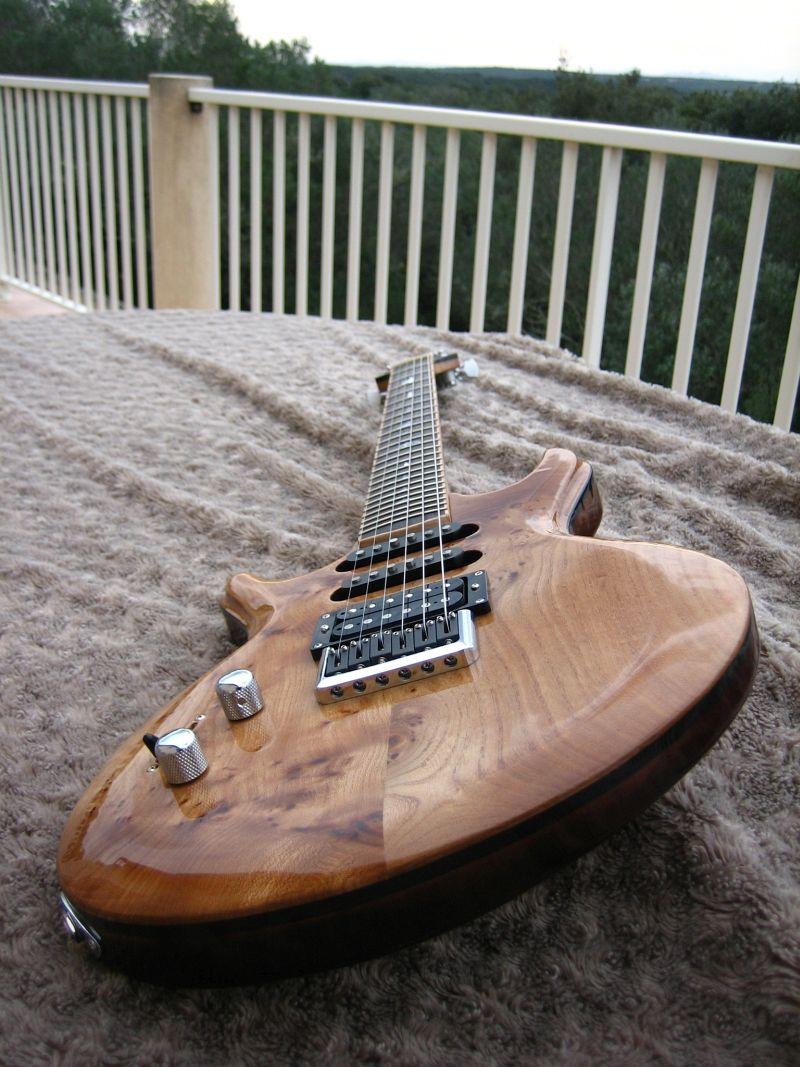 Fabrication d'une guitare Electrique : Terminée le 26/12/2014 - Page 4 221