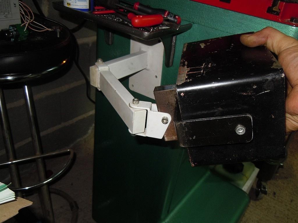 Un bras support ecran/clavier pour ma 6040 175
