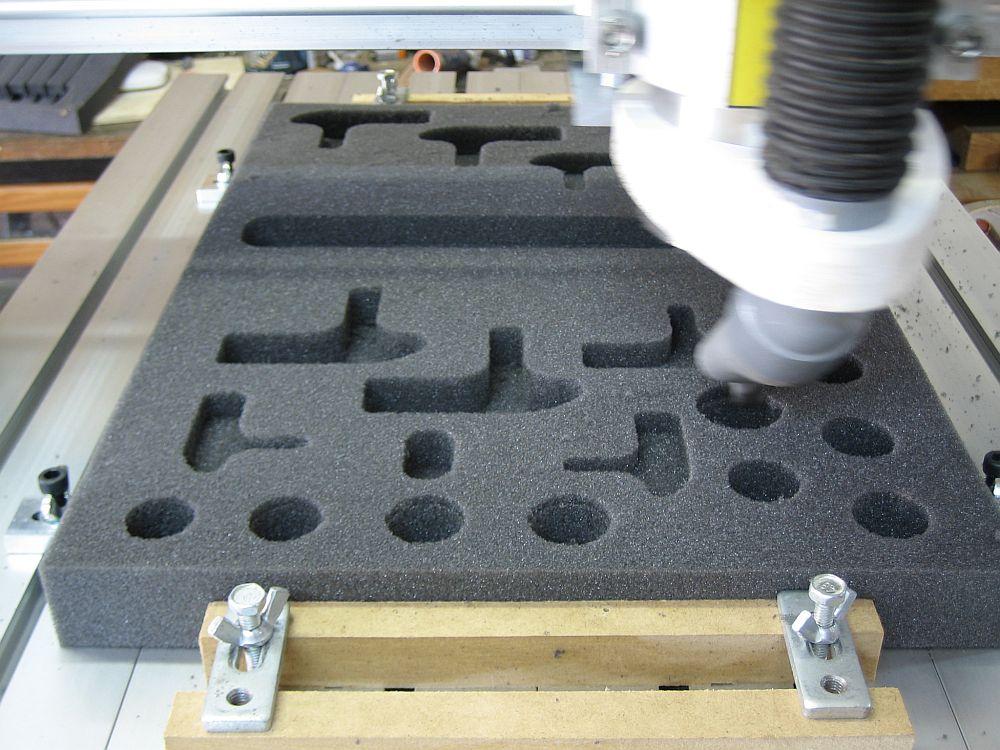 [CNC] Fabrication de mousses de calage d'outils pour servante (CNC 6040 數控銑床 ;) ) 04