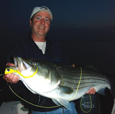 Pesca Nocturna con Mosca por José Manuel López Pinto Bassfly2