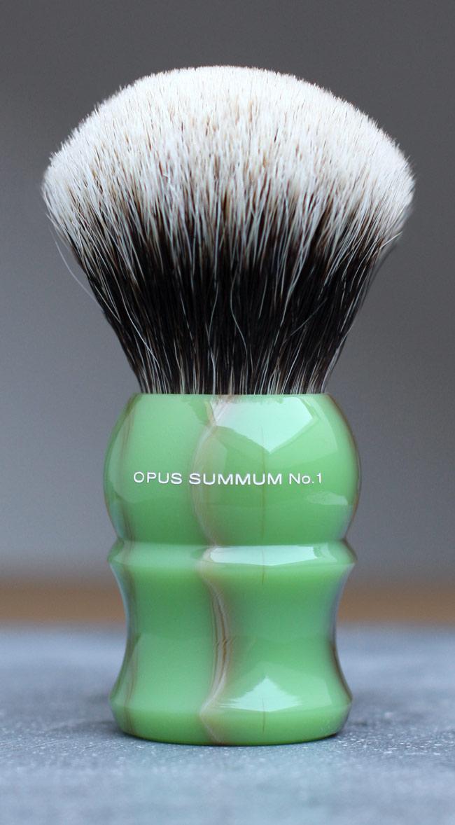 Qui serait partant pour un blaireau  shavemac  ? - Page 2 Shavemac-Opus-Summum-No1-frontal