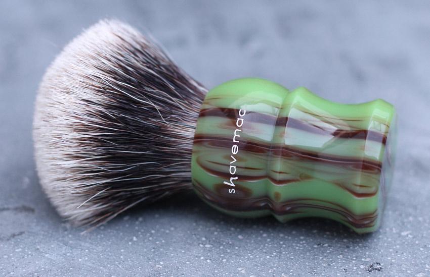 Qui serait partant pour un blaireau  shavemac  ? - Page 2 Shavemac-Opus-Summum-No1-seite-logo