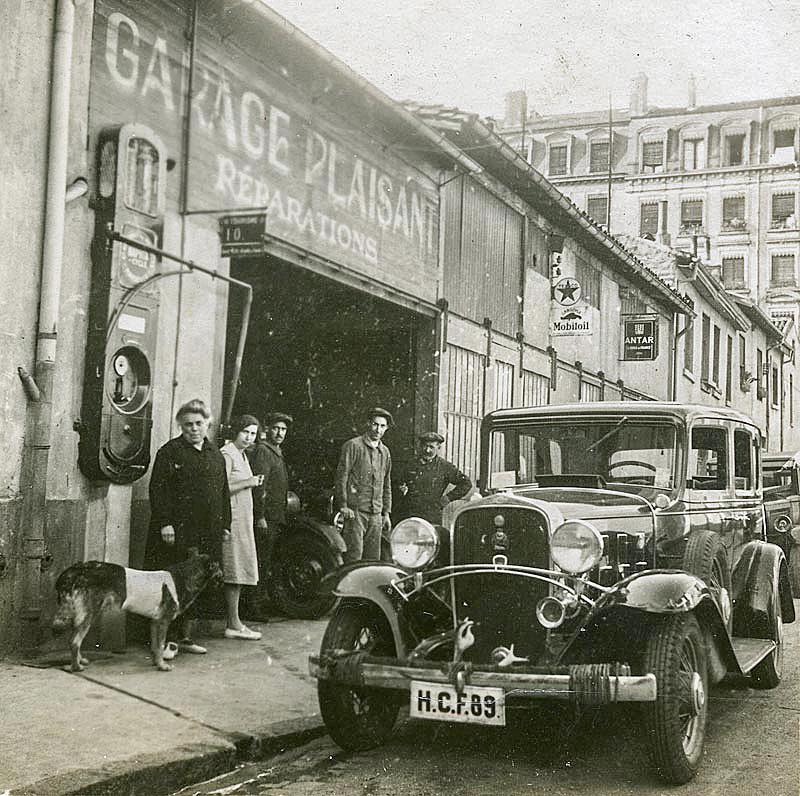 Garages anciens - Page 2 2-BERLIET-garage-famillial-1935