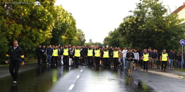 Suporteri in strada _MG_2480_20110720-0044