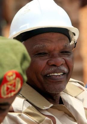 أحداث جارية  - صفحة 2 Sudanese_Oil_Minister_Awad_Ahmad_al-Jaz_smiles-4e5dc