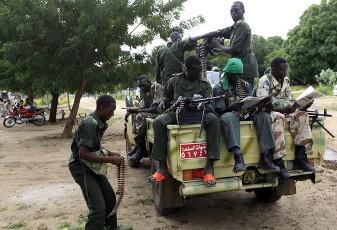 أحداث جارية  - صفحة 2 Soldiers_from_Sudan_s_army_in_the_Blue_Nile_state_capital_al-Damazin_September_5_2011_REUTERS_-9438a