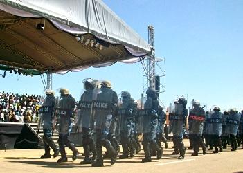 أحداث جارية  - صفحة 2 2012_06_akim_policeforces-7c65c