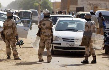 أحداث جارية  Policemen_take-2-5a1aa