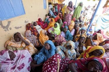 أحداث جارية  - صفحة 2 Women_wait_to_be_examined_by_doctors_in_kassab_camp_for_internally_displaced_persons_idp_in_kutum_north_darfur_august_9_2012._reuters-1646a