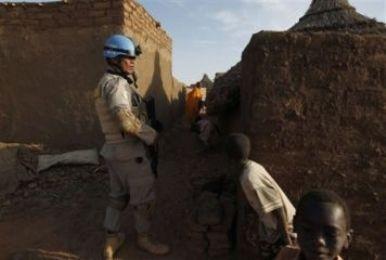 أحداث جارية  An_unamid_peacekeeper-ff4b8
