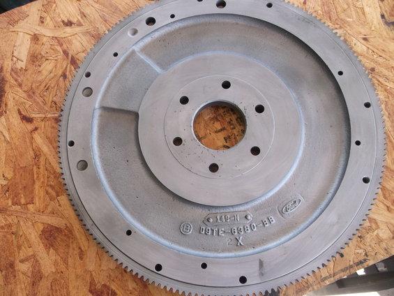 FS: NOS D9TE-6380-BB FE/370/429/460 flywheel.. SOLD, Thx Dscf1621