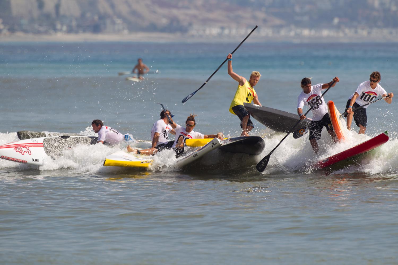 Carnage a la Bop 2011 Battle-of-The-Paddle-2011-Elite-Race-crash