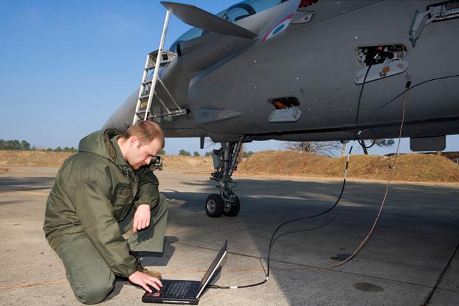 Dassault Rafale Thread Mecanicien_rafale1
