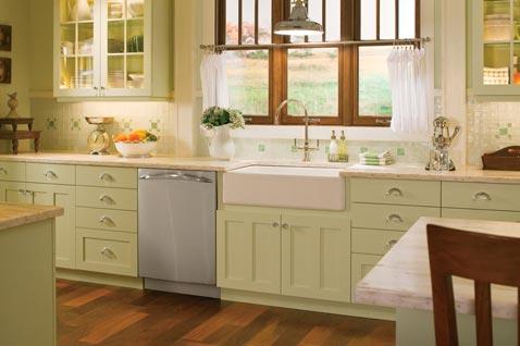 Glass Tile Backsplash for kitchen  2012  Photoskitchen1-white-glass-tile-mosaic-backsplash-1