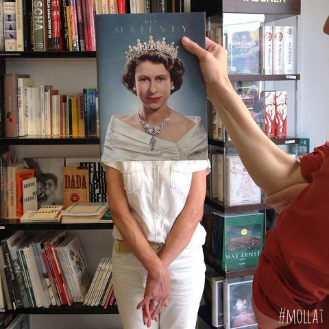le Book Face - Page 2 People-match-books-librairie-mollat-187-58bd72159fdab__700-480x480