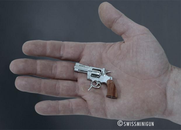 Les plus petits de poches ce sont lesquels? Rev_main