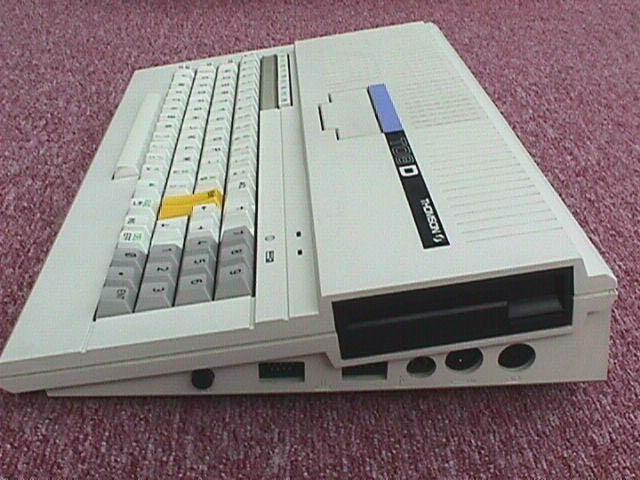 Débat : Le plus bel ordinateur 8/16 bit Thomson_to8d_2