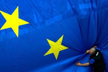 Projet européen pour un nouvel esclavage !!! UEFlagCitizen2