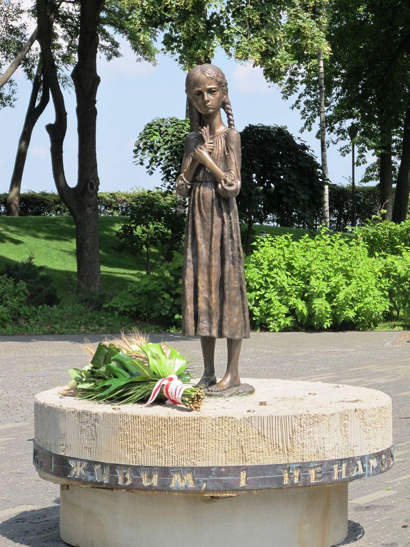Statue i spomenici posvećene deci 28