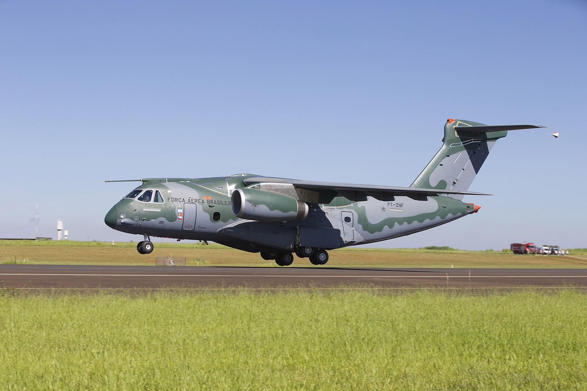 EMBRAER KC-390  - Página 6 Kc390-sjc