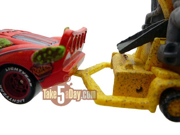 2 Versions différentes de bessie Megasize... Tow