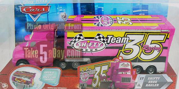 Sortie prochaine de deux nouveaux camions... roses ! Shifty-Box1