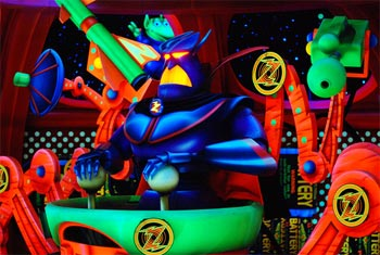 le quizz des attractions disney - Page 2 Buzz-Lightyears-Space-Ranger-Spin-1
