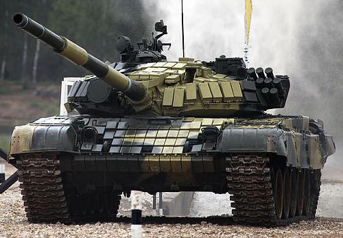مع التلويح بالخيار العسكري بين روسيا وأوكرانيا , تعرف على قوات الطرفين T-72B_TankBiathlon2014