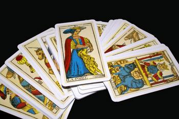 Les Tarots Divinatoires Tarot-divinatoire