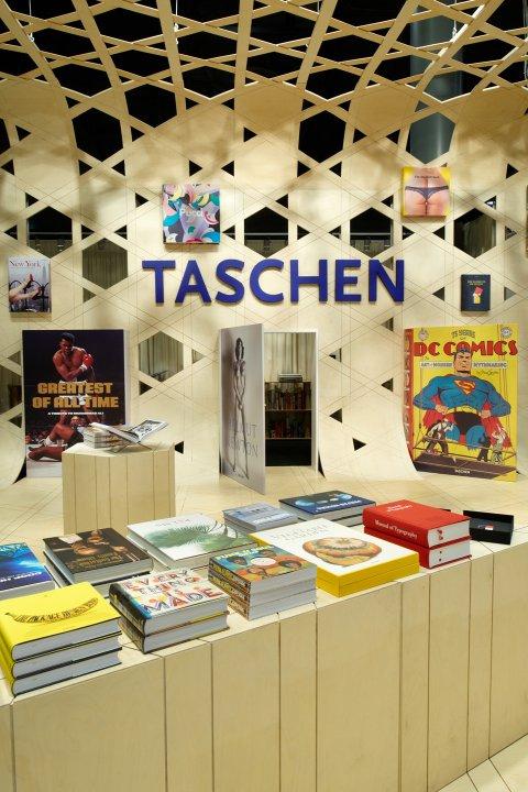Symbolik rund ums Auge - Seite 2 Preview_frankfurt_bookfair_shigeru_ban_16_1010061712_id_390459