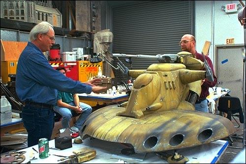 Star wars les maquettes officielles des films ! Mod-tank_model
