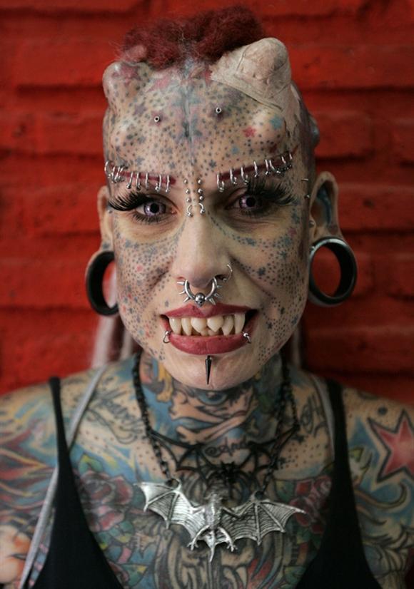 Par tetovējumiem - Page 4 BadTattoosVampireWoman