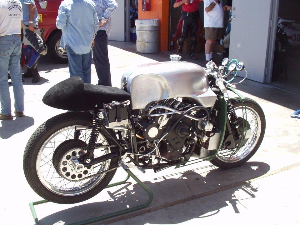 Election du plus bel expresso Moto Guzzi - Page 4 P1010001
