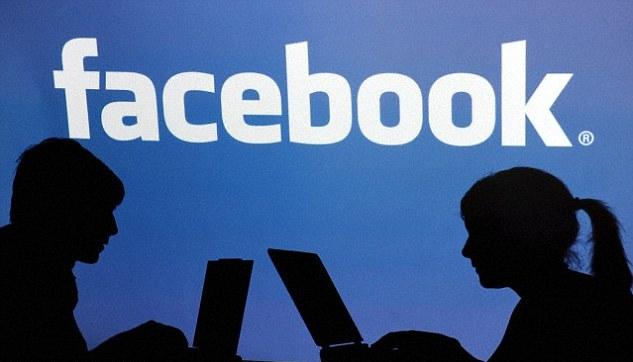 فيس بوك تتراجع وتسمح بالأسماء المستعارة Facebook