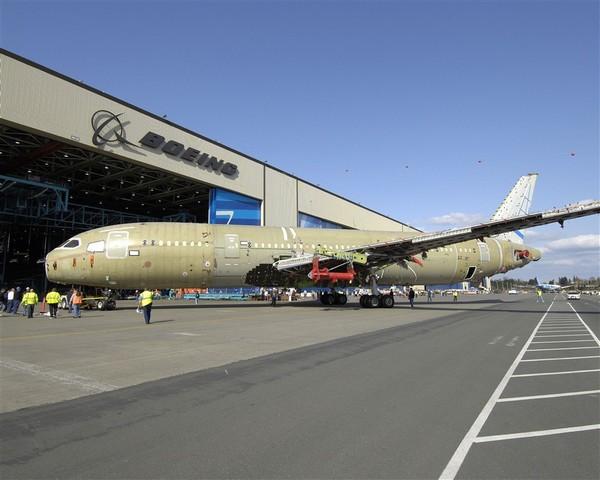 TR3B: réalité ou science fiction ? - Page 4 Boeing-787-test-structure