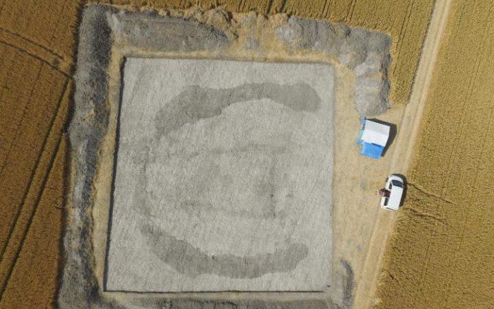 5,000-year-old 'House of the dead' discovered between Stonehenge and Avebury DJI_0015-large_trans_NvBQzQNjv4BqEDjTm7JpzhSGR1_8ApEWQA1vLvhkMtVb21dMmpQBfEs