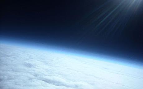 Les ballons stratosphériques amateurs Space_1367605c