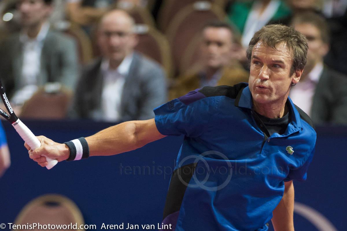 Che racchetta usa Mats Wilander adesso? Mats-Wilander-Afas-TC-2013-1746