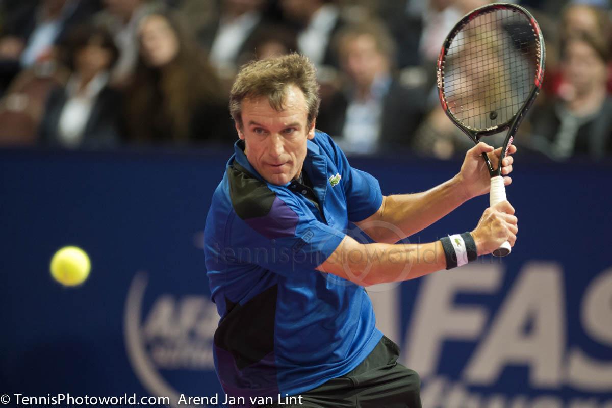 Che racchetta usa Mats Wilander adesso? Mats-Wilander-Afas-TC-2013-1751