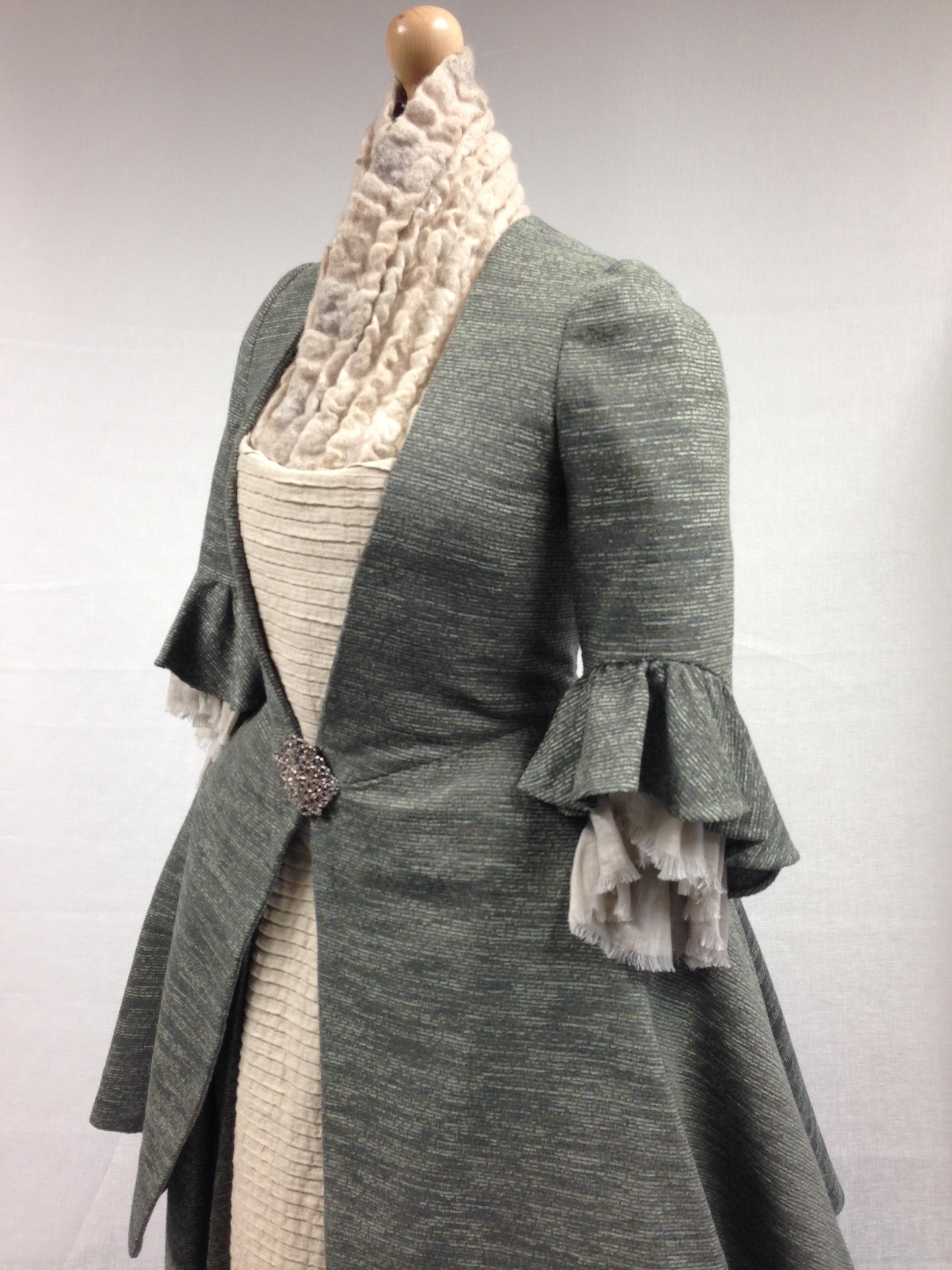 vestuario....... Photo-Nov-06-9-47-51