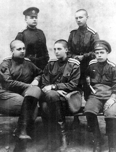 Le bataillon russe de la mort Womens_battalion-22