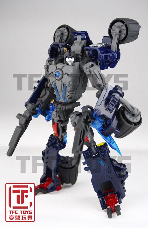 [TFClub] Rollo (mini bolide d'Optimus) devient robot   [TFClub] Gears of War 2: Fusils d'Optimus - Page 2 0801_004