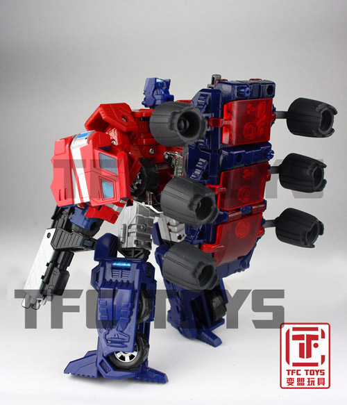 [TFClub] Rollo (mini bolide d'Optimus) devient robot   [TFClub] Gears of War 2: Fusils d'Optimus - Page 2 0801_008