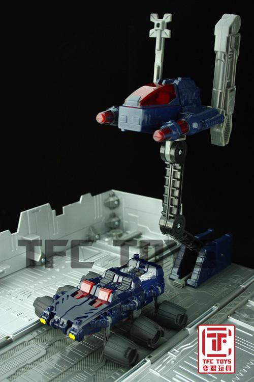 [TFClub] Rollo (mini bolide d'Optimus) devient robot   [TFClub] Gears of War 2: Fusils d'Optimus - Page 2 0801_009