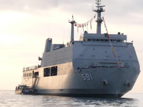 Astillero Río Santiago y Daewoo proponen construir un buque multipropósito para la Armada - Página 2 Q0118911140724121241